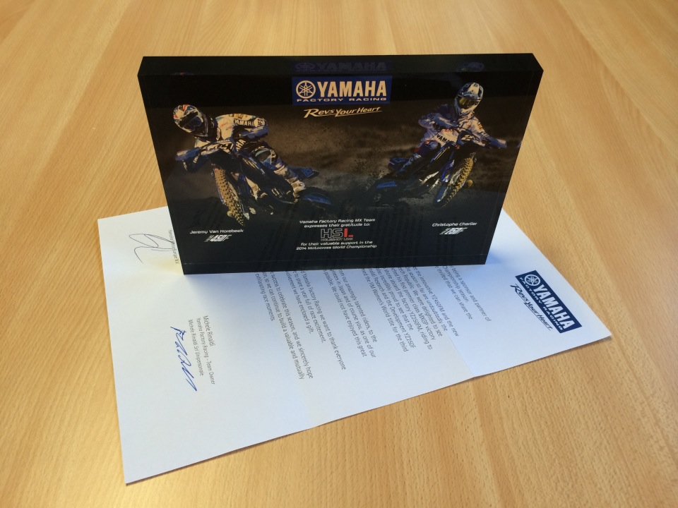 Thank you Yamaha Factory Racing for this nice gift !